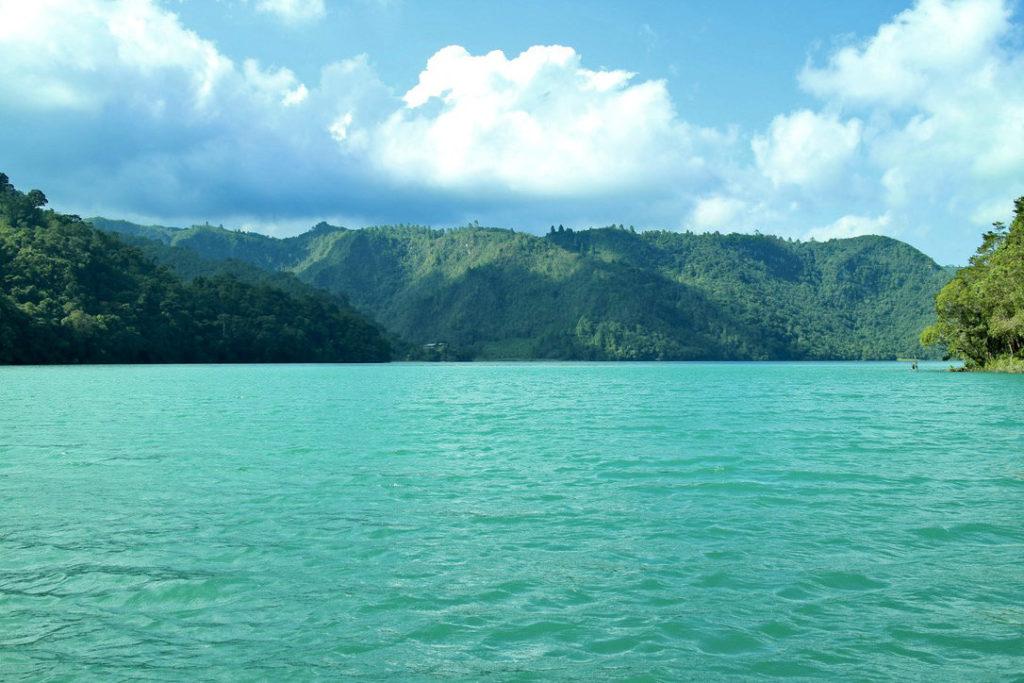 Laguna Brava at Yalambojoch, Huehuetenango