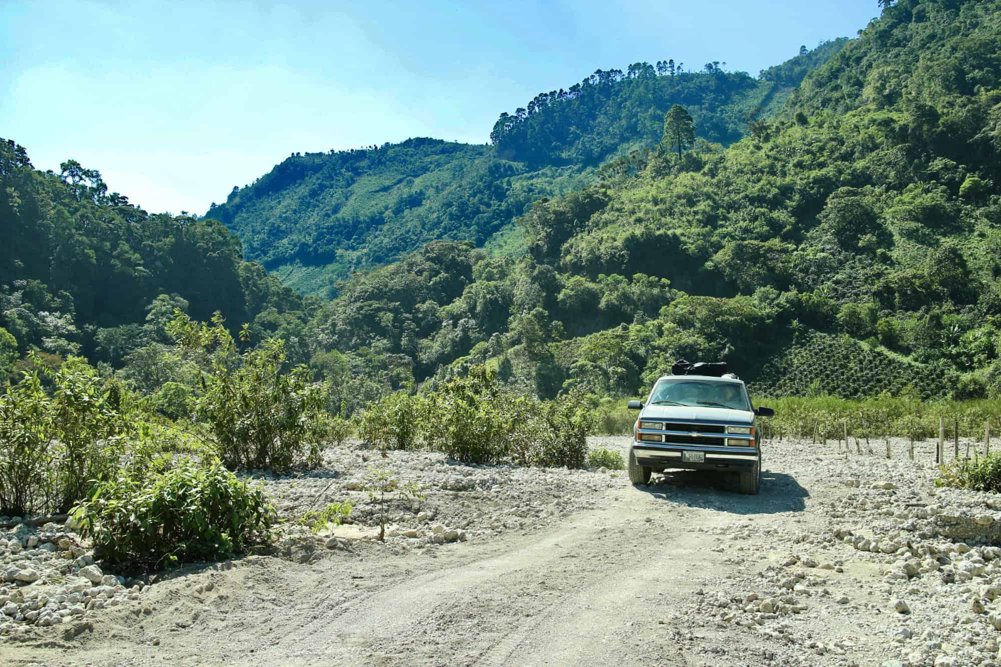 Suburban en route to Laguna Brava Yalambojoch
